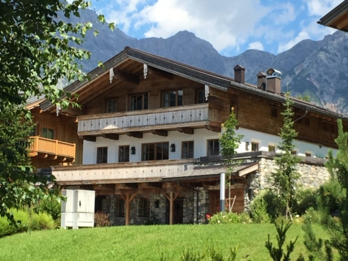 Am Florysee 11 1 outside lodge front image1