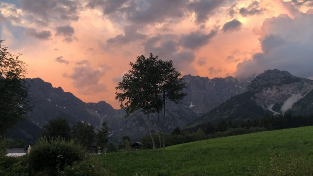 Am Florysee 11 16 outside mountains image1