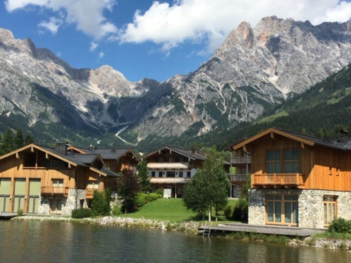 Am Florysee 11 3 outside lake + lodge mountain image2