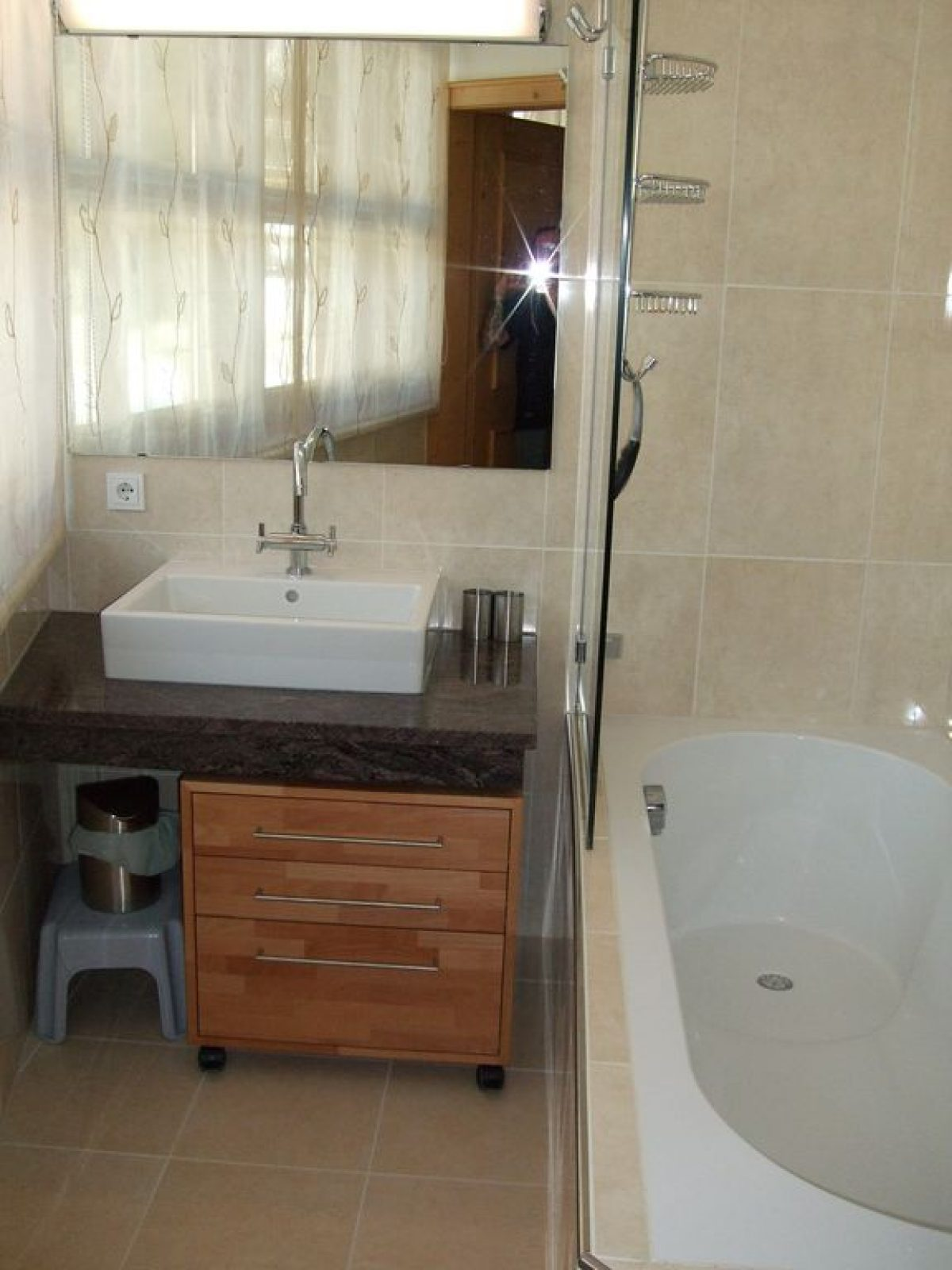 8 En-suite Bathroom to Bedroom 1
